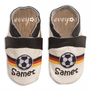 Krabbelschuhe mit Fussball und Deutschlandflagge