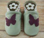 Krabbelschuhe mint mit lila Schmetterling