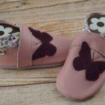 Krabbelschuhe Schmetterling rosa