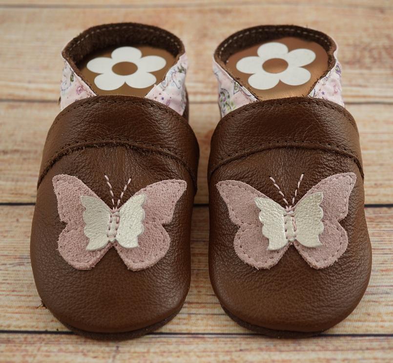 Krabbelschuhe braun mit Schmetterling