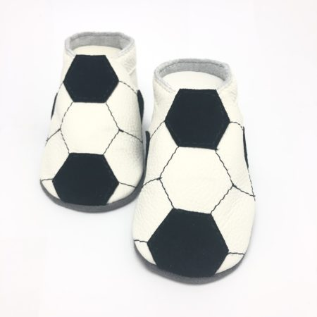 Krabbelschuhe Fussball Optik weiß