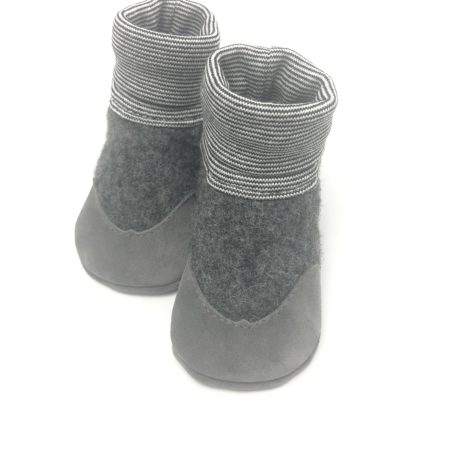 Krabbelschuhe WOLLWALK Strumpf Grau mit Veloursledersohle in Grau